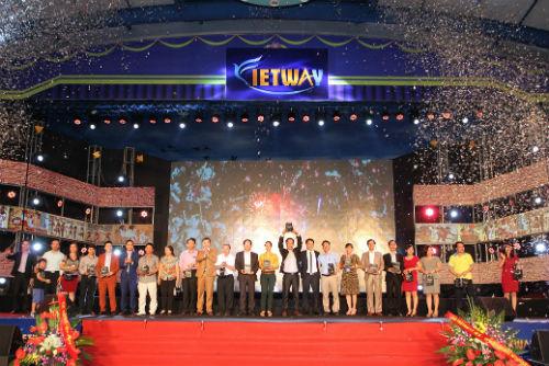 Lễ kỷ niệm một năm thành lập của Con đường Việt.